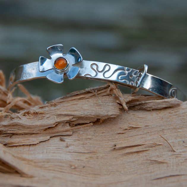 Flower Bangle with Citrine Cabochon